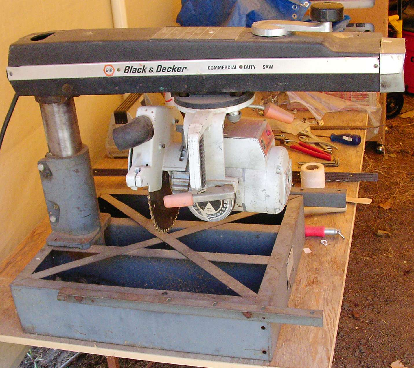 Black Amp Decker Radial Arm Saw